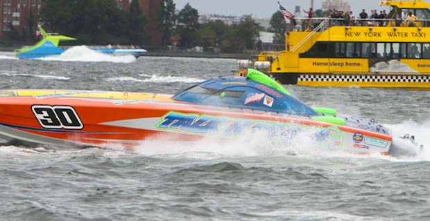 Speedboats racing in Hudson River